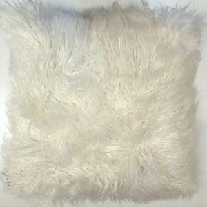 Hvid langhåret pels 45 x 45 cm