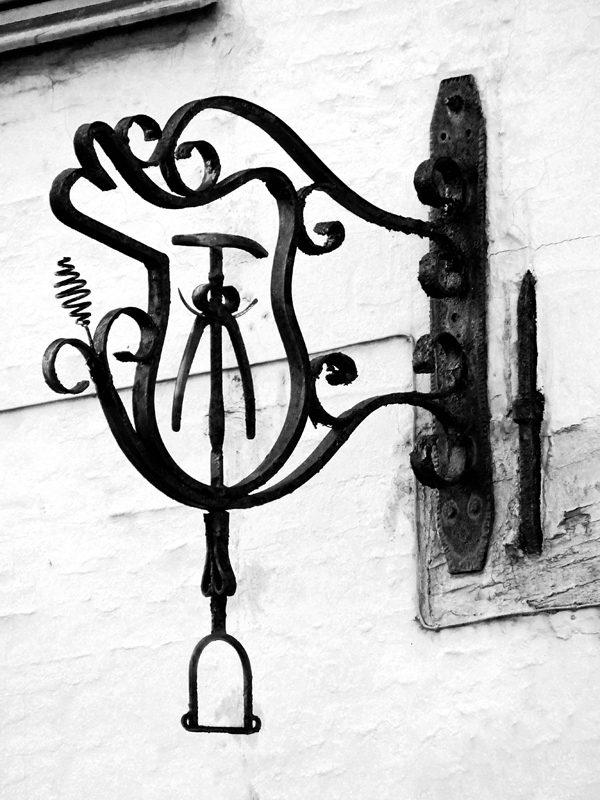 Jernhest - rå sort/hvid billede i ramme fra Boligpynt